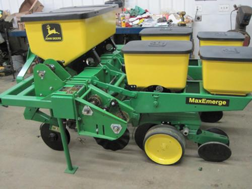 Jd 7000 3point Hitch Corn Planter Can't find the used farm equipment you're looking for? jd 7000 3point hitch corn planter